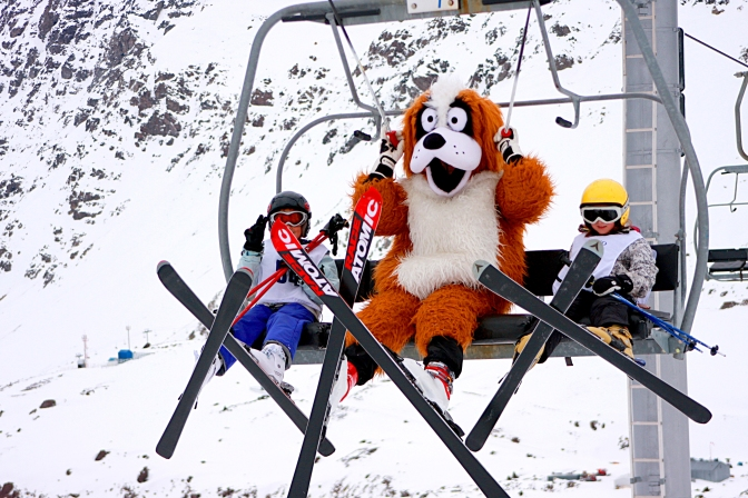 Planeje agora e vá esquiar na neve em 2018!