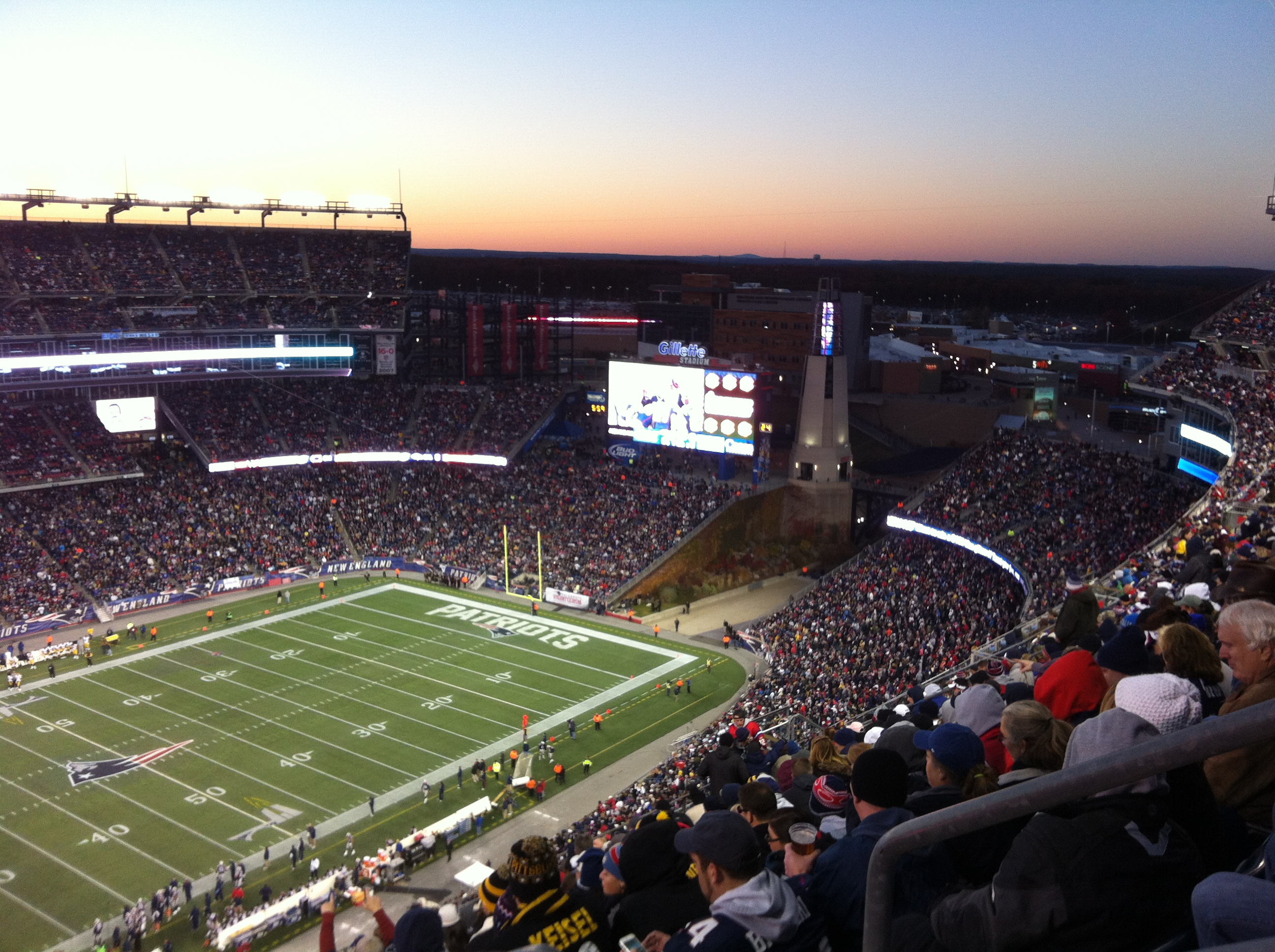 0612559b84 Um jogo da NFL no Gillette Stadium!