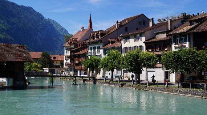 Interlaken: a Suíça bela no verão e no inverno