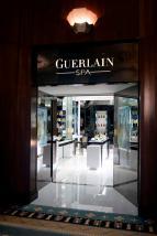 08_-_Guerlain_Spa_-__Spa_Boutique_Entrance
