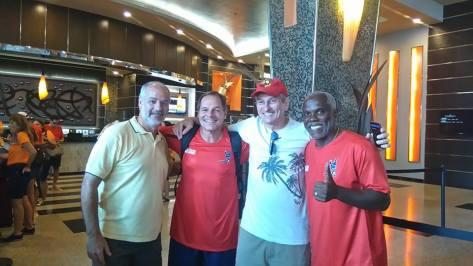 Sílvio, Paulo Sérgio (goleiro), Walter, e Cláudio Adão (ex-Santos, Flamengo etc.)