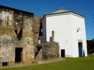 Castelo_de_Garcia_d'Avila_-_Praia_do_ForteAdamJones