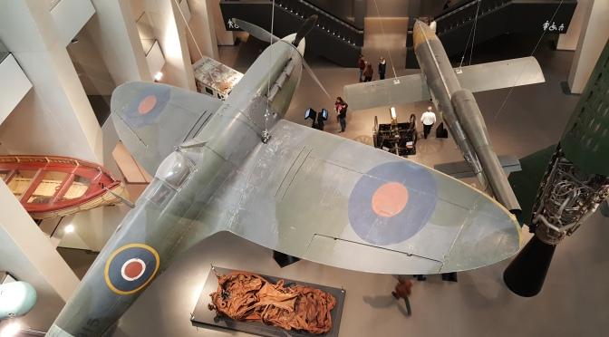 Caça inglês Spitfire - Museu Imperial da Guerra