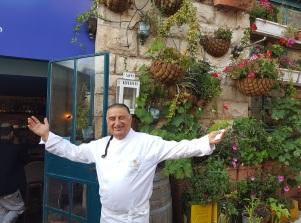 O famoso chef Moshe basson