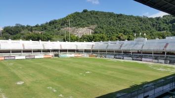 Campo do Fluminense (gramado em reforma)