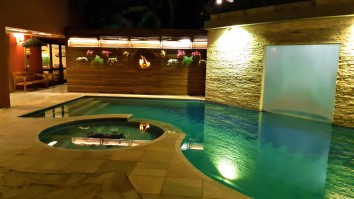Piscina com sauna integrada