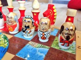 "Xadrez na versão ""guerra fria""..."