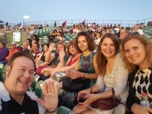 Ópera no Parque Sultan's Pool, com minhas amigas russas!